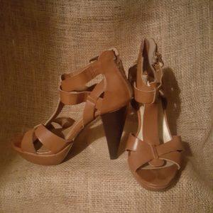 Guess Ankle Buckle Strap Sandal sz.7 $25