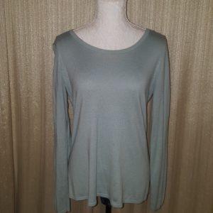 Loft pullover medium $10